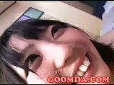 Amateur Japanese slut gives head
