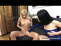 Lesbo anal toyed & fisted