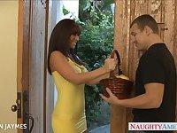 Busty brunette Jayden Jaymes slurps a large prick