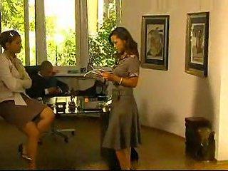 Vampy secretary gets DPed in office